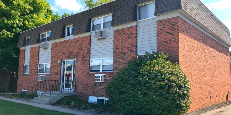 203 Parkinson Normal Il 2 Bedroom 385 Month For Heat And Water Paid 1 675 Gas Electric Student Apartment